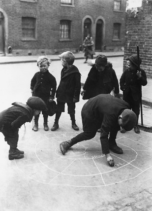 A street game: c.1900