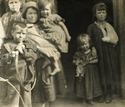 East End children: c.1900