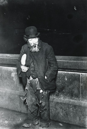 The Outcast: Homeless on the Thames Embankment: C.1900