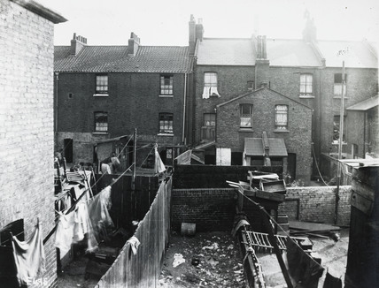 Back yards and rows of houses: c.1900