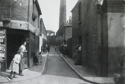 A Deptford slum: c.1900