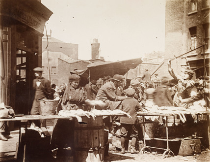 Fish stall in Middlesex Street: 1903