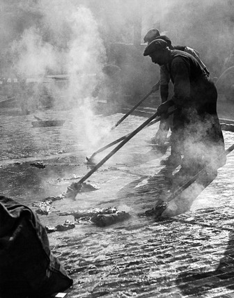 Roadworkers, Charing Cross Road c. 1935