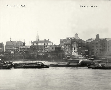 Thames Riverscape showing Fountain Dock and Bond's Wharf: 1937