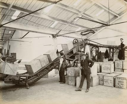 Tea on a conveyor system, Tilbury Docks: c. 1920