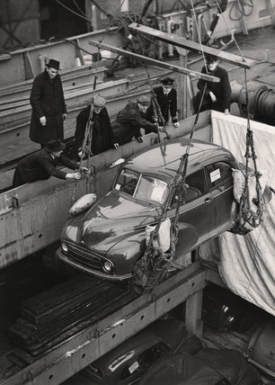 Car for export Royal Albert Dock: 1949