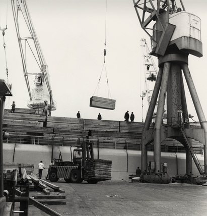 Unloading timber at Tilbury: c. 1970