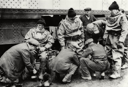 PLA Dock Divers: 1936