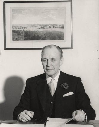 Sir Leslie Ford, PLA General Manager: 1946