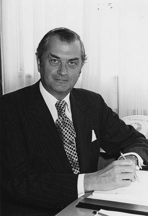 Sir John Cuckney, PLA Chairman: 1977