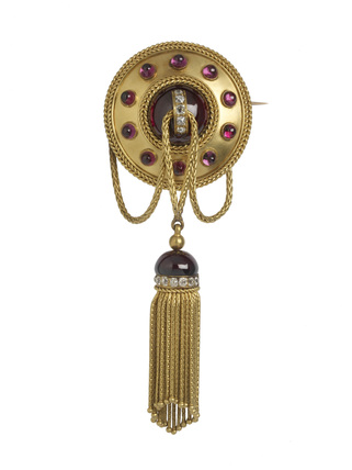 Gold brooch: 19th century