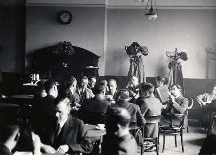 PLA Smoking Room: c. 1935