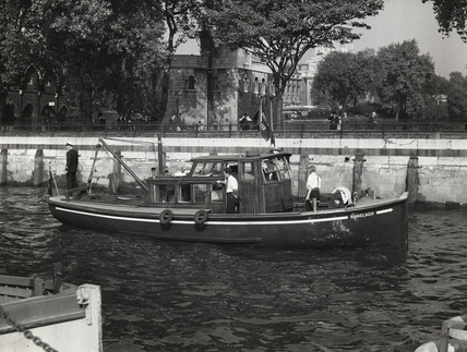 The Ranelagh approaching Tower Pier: 1959