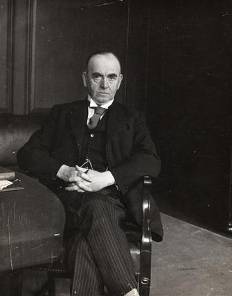 Sir David Owen: 1922