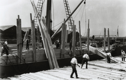 Wood imported to Surrey Commercial Docks: 1930