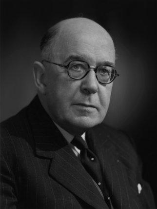 Sir Brett Mackay Cloutman