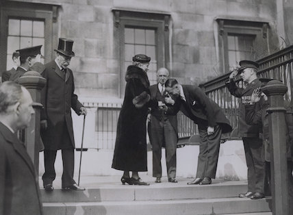Group outside the National Gallery including King George V, Queen Mary and Sir Philip Albert Gustave David Sassoon, 3rd Bt