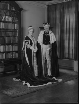 Maud Elizabeth Furse Barnes (née Radcliffe), Lady Gorell; Ronald Gorell Barnes, 3rd Baron Gorell