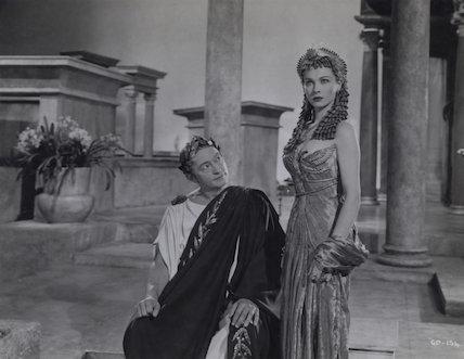 Claude Rains as Julius Caesar and Vivien Leigh as Cleopatra in 'Caesar and Cleopatra'
