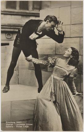 Laurence Olivier as Hamlet and Vivien Leigh as Ophelia in 'Hamlet'