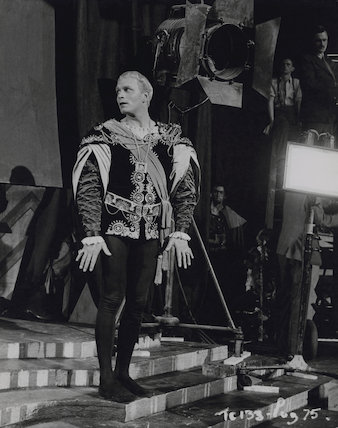 Laurence Olivier as Hamlet on the set of 'Hamlet'
