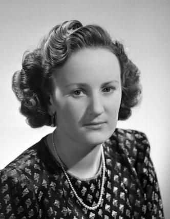 Molly Angela (née Cayzer), Lady Wyldbore-Smith