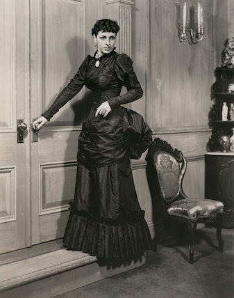 Margaret Rawlings as Katherine O'Shea in 'Parnell'