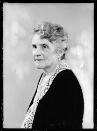 Beatrice (née Mercado), Lady de Pass