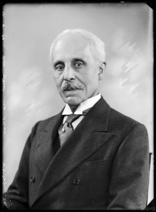 Sir Eliot Arthur de Pass