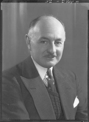 Sir Reginald Kennedy Kennedy-Cox