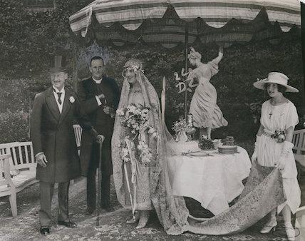 Wedding of 9th Duke of Marlborough and Gladys (née Deacon), Duchess of Marlborough