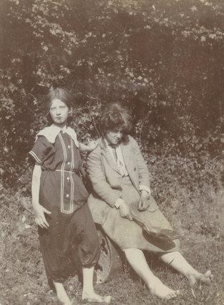 Julia Frances Strachey; Ray Strachey