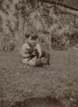 Barbara Strachey (Hultin, later Halpern) with cat