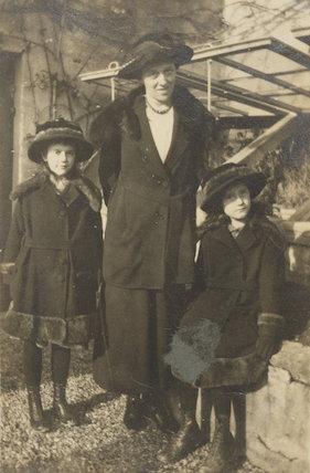 Barbara Strachey (Hultin, later Halpern); Miss Prynne; Ursula Margaret Wentzel (née Strachey)
