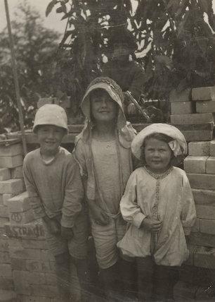 Christopher Strachey; Ann Davies Synge (née Stephen); (Karin) Judith Henderson (née Stephen)