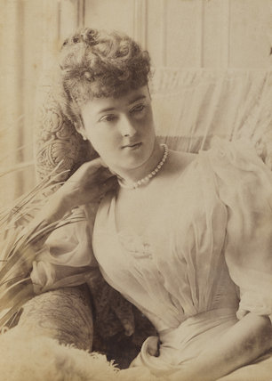Georgina Elizabeth Ward (née Moncreiffe), Countess of Dudley