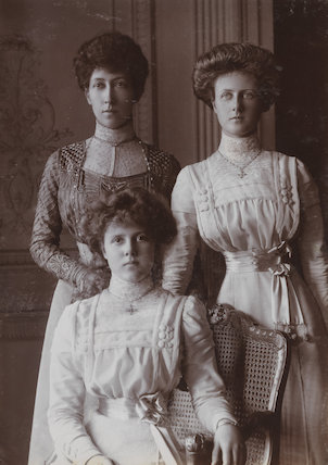 Princess Louise, Duchess of Fife with her daughters