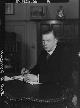 Sir Andrew Rae Duncan