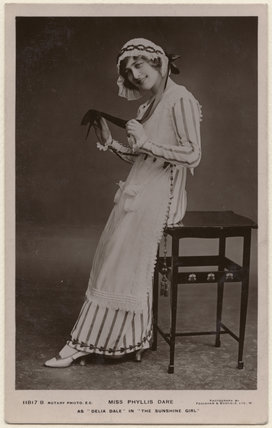 Phyllis Dare as Delia Dale in 'The Sunshine Girl'