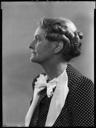 Violet Grace (née Billinghurst), Lady Bourdillon