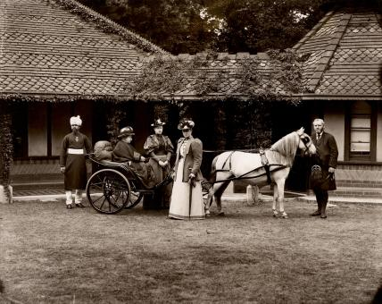 Group with Queen Victoria