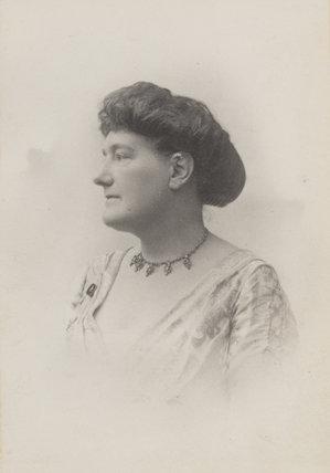 Gertrude M. Robins (Mrs Louis Baillie Reynolds)