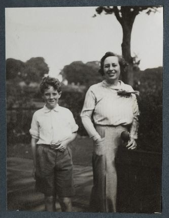 Andrew Michael John Wemyss; Lady Victoria Alexandrina Violet Erskine-Wemyss (née Cavendish-Bentinck)