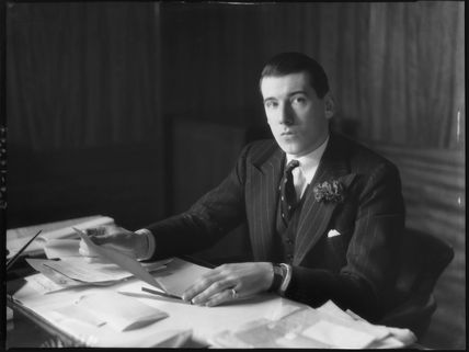 (Geoffrey) Lionel Berry, 2nd Viscount Kemsley