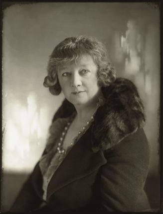 Gwladys Ethel Gwendolen Eugénie (née Sutherst), Marchioness Townshend (later le Stange)
