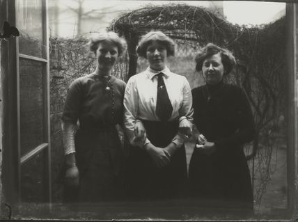 Winifred Margaret Broom with two others