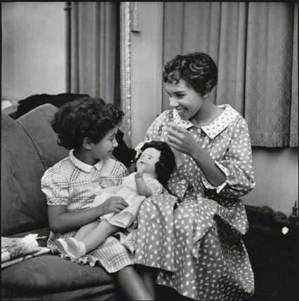 Shirley Bassey; Sharon Bassey