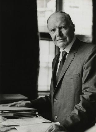 Sir Walter Fraser Oakeshott