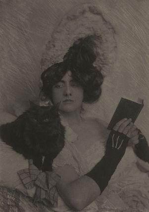 'Girl and Cat' (Gloria Warren)