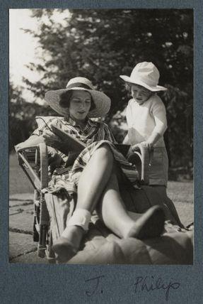 Julian Vinogradoff (née Morrell) with her son Philip Henry Russell Goodman